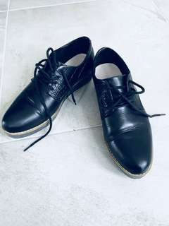 Isabellabella Anselmi Oxford Shoes black leather