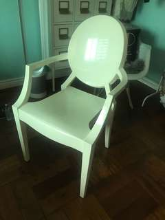Preowned Ghost Chair with Arms White