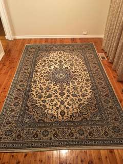 Traditional Kashan Persian Rug