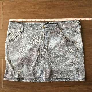 Authentic Kamiseta Skirt
