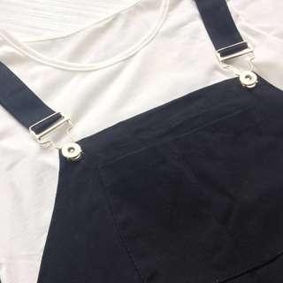 🚚 全新黑色連身吊帶裙 (附白短t #女裝半價拉