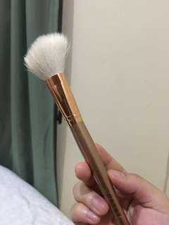 Morphe contouring brush