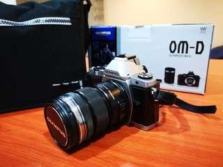 Olympus EM-5 Full set with Kit lens with bag DSLR camera