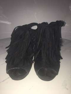 Black Ruffles Heel