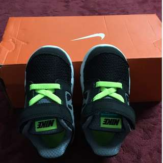 Junior Nike Shoes (ORI)