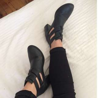 Heeled black cut out boots