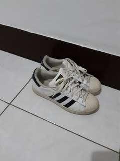 🚚 Adidas 金標貝殼鞋