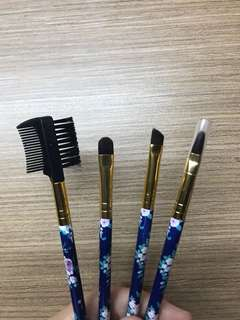 Makeup brushes pending