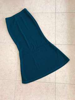 Long Curvy Skirt (blue green)