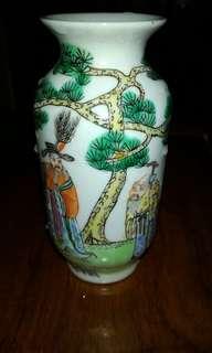 粉彩福祿寿紋小花瓶