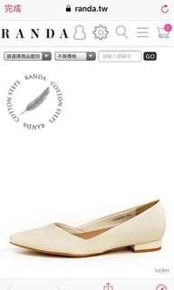 日本專櫃 米色尖頭平底鞋OL必備