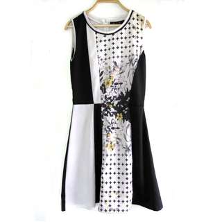 Plain & Prints Floral Printed Dress