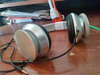Headphones (Used- good condition