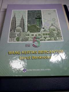 Rm5 3 in 1 uncut ,7th & 9th series, unc condition ,comes with orginiAl folder.