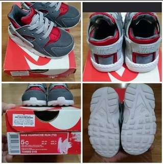 Nike Huarache Red and Gray 5c