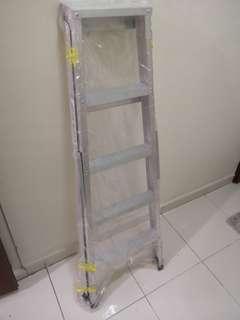 5 steps ladder