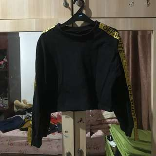 Off white black crop top (high quality)