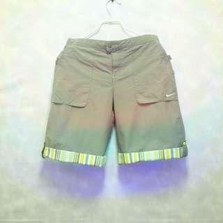 三件7折🎊 Nike 短褲 休閒褲 墨綠 反摺花紋 電繡logo 極稀有 老品 復古 古著 Vintage