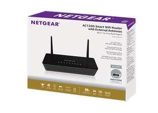 NETGEAR AC 1200 Smart Wifi Router R6220