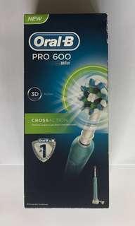 Oral-B Pro 600電動牙刷