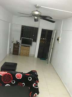 Hdb Master/Common room rent available