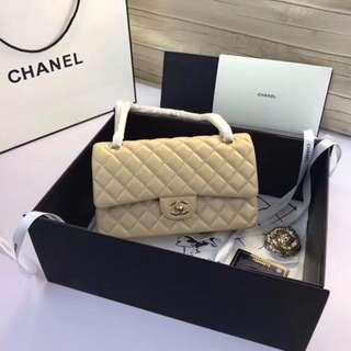 Chanel 香奈兒升級版A1112,Cf25Cm進口小羊皮,全新經典,內里也配進口小羊皮,金銀鏈