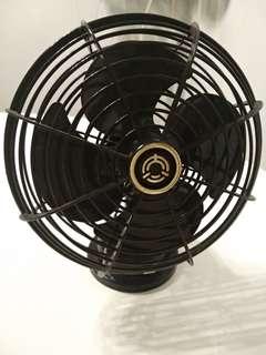 Mistral Mini Desk Fan