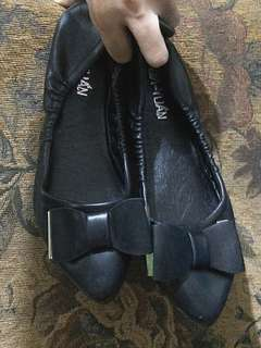 Black Flat Shoes with Ribbon