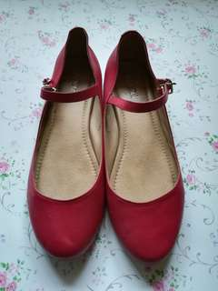 Indefini red doll shoes