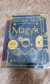 Magyk (Septimus Heap Book 1)