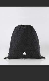 日本代購 Adidas熱門3D黑色索繩袋 限時特價7折中