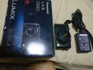 Panasonic lumix lx3 complete with extras