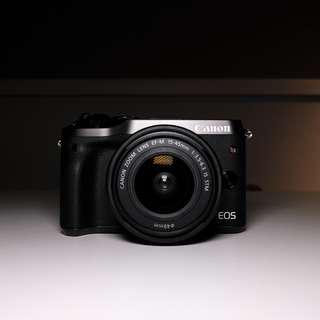 Canon M6 with EF-M 15-45mm Standard Package