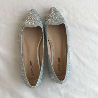 Doll shoes, pretty doll shoes