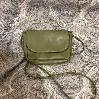 🚚 橄欖綠輕巧肩背包#女裝半價拉