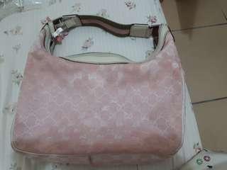 🚚 Gucci粉色側背包