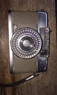 Vintage Camera Olympus Pen EES-2