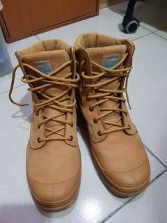 🚚 Palladium米色防水軍靴 US9.5 27.5CM