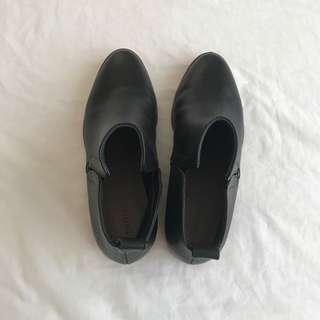 Shoes, boots,