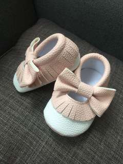 baby girl shoes ( 6 mos.)
