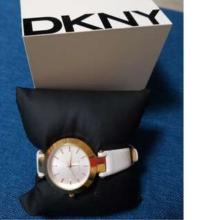 DKNY watc手錶,white with golden color,女裝female