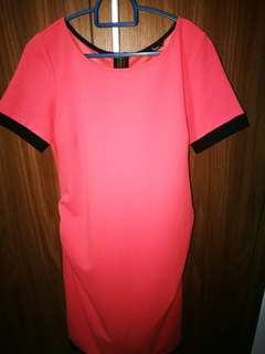 9 Months maternity dress (size small)