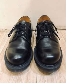 AUTHENTIC DR. MARTENS ALBANY BLACK