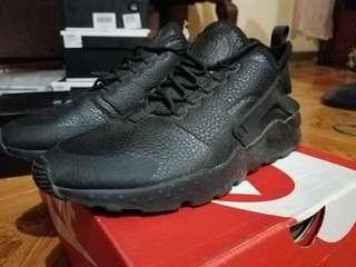 Nike Huarache Triple Black Womens