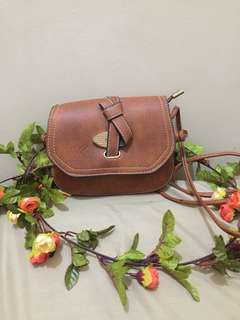 MK LEATHER SMALL SLING BAG