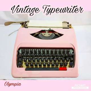 1970s Pink Typewriter for Sale at $80 only. Working condition. Sms 96337309 for fast deal.