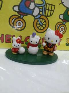 Kitty ceramic figurines