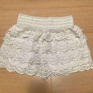 🚚 米色蕾絲短褲