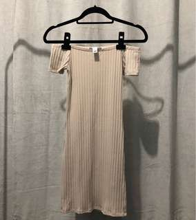 Forever 21 Off-Shoulder Bodycon Mini Dress