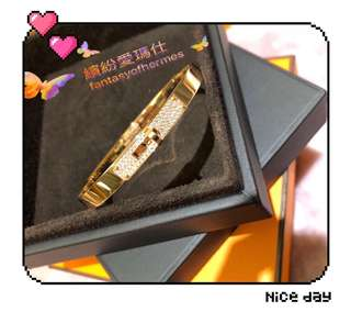 全新Hermes Bracelet Kelly  Petit Modele with diamond 💎💎💎 Size : SH  Colour : Gold 配貨價出售$6xxxx 🎉 超抵 Full set with shop receipt  Please inbox 📩 for more details ❤️ Thanks😘